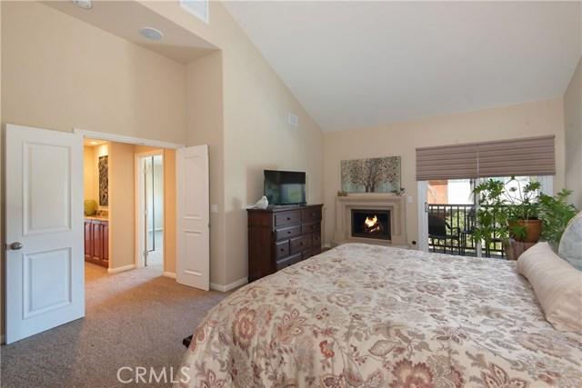 6221 Norbrook Drive, Huntington Beach CA: http://media.crmls.org/medias/de65f8aa-ef3b-433b-9f92-f1772ddd85cf.jpg