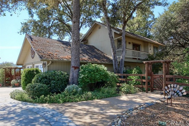 Single Family Home for Sale at 43701 Vista Hermosa Court Ahwahnee, California 93601 United States
