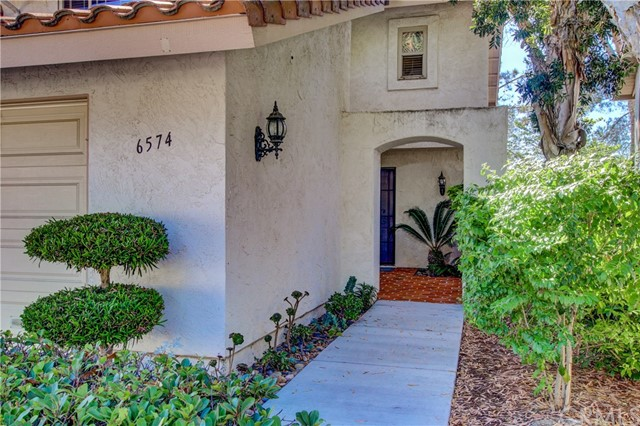 6574 Corte Cisco, Carlsbad CA: http://media.crmls.org/medias/de6a1910-4f8d-42b5-89dd-3f35e0f166ea.jpg