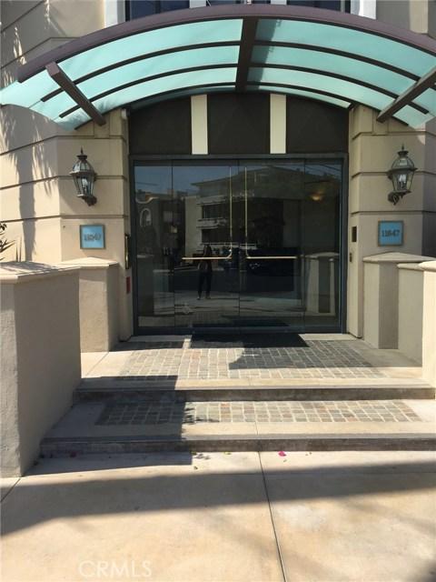 11847 Gorham Avenue, Los Angeles CA: http://media.crmls.org/medias/de6d1aa2-93c1-4d3f-9498-286b28a5b59d.jpg