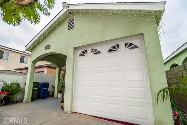 8631 Grape Street, Los Angeles CA: http://media.crmls.org/medias/de6ddbef-e796-4a6b-910a-919b06b6e389.jpg