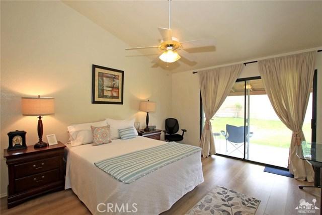 43750 Texas Avenue, Palm Desert CA: http://media.crmls.org/medias/de7e1d7b-0125-428e-a2fa-8a4070d8ca61.jpg