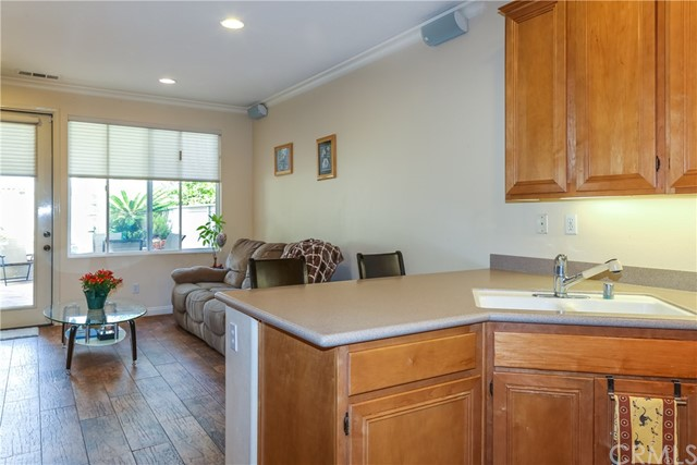 18611 Park Ridge Lane, Huntington Beach CA: http://media.crmls.org/medias/de8574d6-4312-42f7-881a-5de0637494bc.jpg