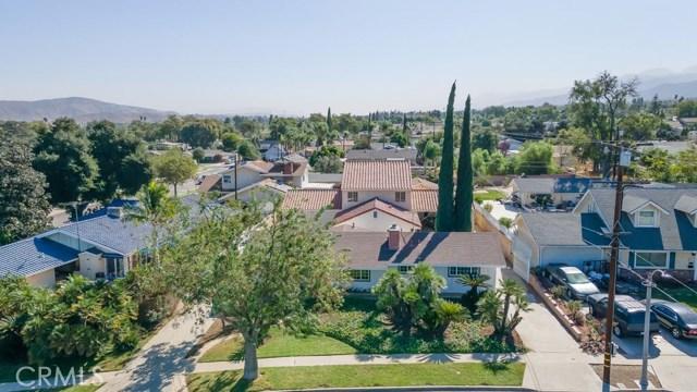 624 Lancer Lane, Corona CA: http://media.crmls.org/medias/de889d58-9347-46a0-88f8-d8416ebc9d79.jpg
