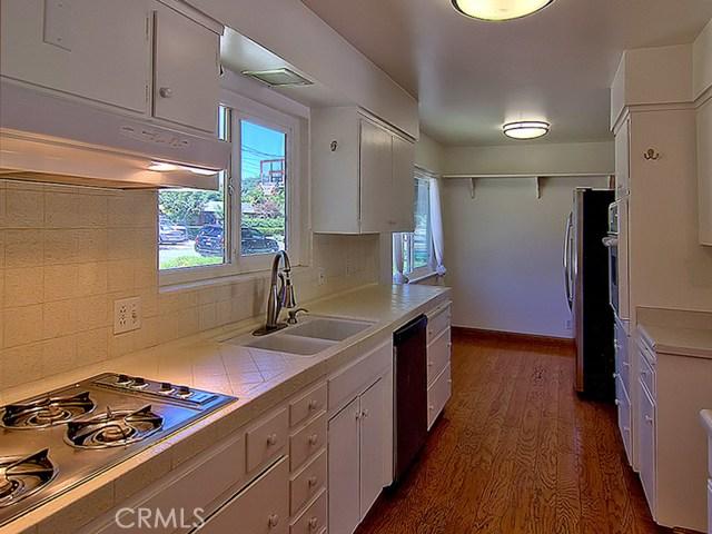 1010 Holben Avenue, Chico CA: http://media.crmls.org/medias/de9e6aa9-b2e7-46a6-9596-c5e638afc11b.jpg
