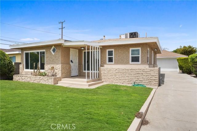 1086 W 10th Street, San Bernardino CA: http://media.crmls.org/medias/dea0daa0-2c23-4a44-8304-05b34a20ba47.jpg