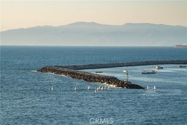 531 Esplanade, Redondo Beach CA: http://media.crmls.org/medias/dea1cdba-161c-4d1e-b9a7-e6666af64516.jpg