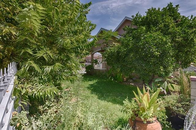10236 San Gabriel Avenue, South Gate CA: http://media.crmls.org/medias/deab8e40-a322-4272-8f02-cff9c66b4a4e.jpg