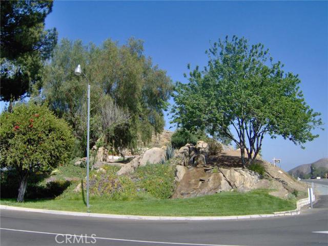 32600 State Highway 74, Hemet CA: http://media.crmls.org/medias/deadf54e-0f1d-451c-be1f-6557ce2902ed.jpg