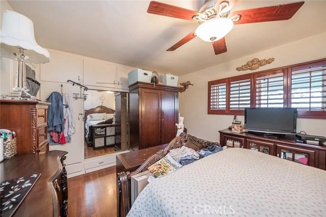 10871 Olinda Street, Sun Valley CA: http://media.crmls.org/medias/dec0cf66-21dc-4c7f-a585-876ab871d428.jpg