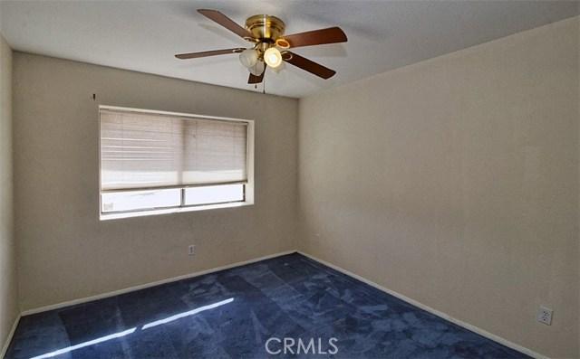 22482 Ramona Avenue, Apple Valley, CA 92307, photo 10
