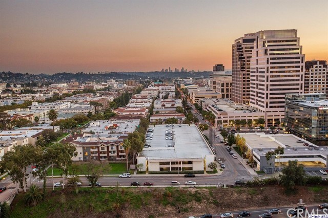 Condominium for Sale at 222 Monterey Road Glendale, California 91206 United States