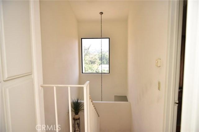 230 N Sierra Vista Street, Monterey Park CA: http://media.crmls.org/medias/ded540a8-ce80-42c9-9a59-7395b5a9b95b.jpg