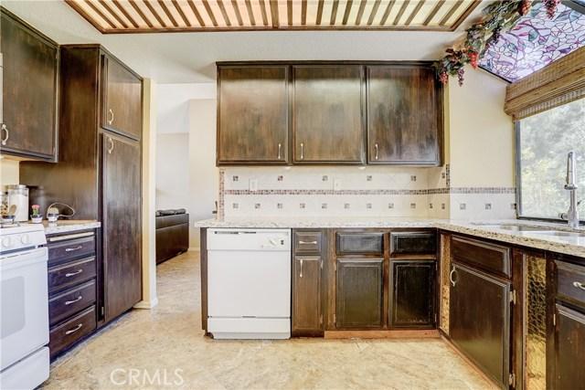 12149 Champlain Street, Moreno Valley CA: http://media.crmls.org/medias/dee1e61d-4d28-4fd3-bb2a-ee3cfe04f064.jpg