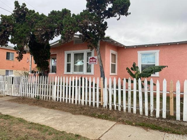 609 A Avenue, National City CA: http://media.crmls.org/medias/df00cf07-8f98-4de4-8c8d-ea9182da3cb5.jpg