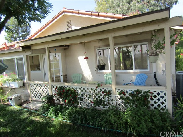 28032 Via Bonalde, Mission Viejo CA: http://media.crmls.org/medias/df02bb83-61eb-451a-a44e-0cc7995f412e.jpg