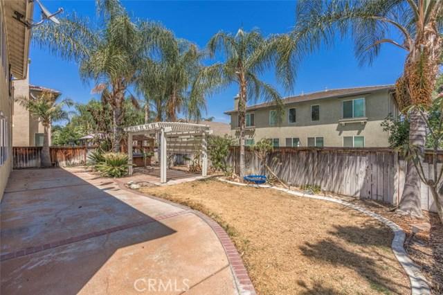 11496 Springwood Court, Riverside CA: http://media.crmls.org/medias/df10a186-aaad-45e1-8a77-14040b3ce66c.jpg