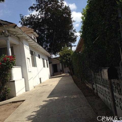 1126 Kenmore Avenue, Los Angeles, California 90006