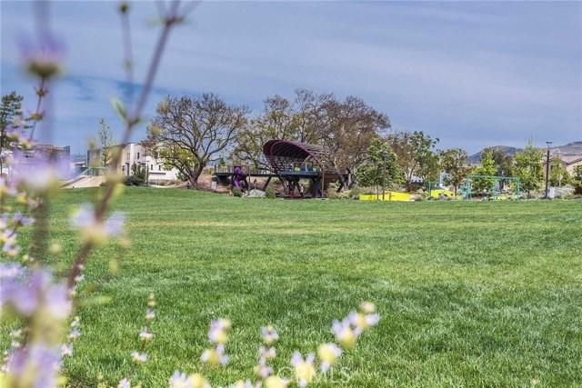 125 Straw, Irvine CA: http://media.crmls.org/medias/df241977-079d-4a8c-8841-2ea0c18c3924.jpg