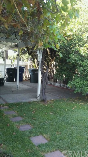 2559 S Malcolm Avenue, Ontario CA: http://media.crmls.org/medias/df2ce4d7-f5ba-4b38-8b54-7e6da79c075f.jpg