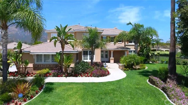 Single Family Home for Sale at TreveccaPlace Claremont, California 91711 United States