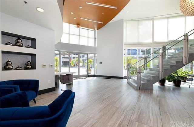 400 W Ocean Boulevard, Long Beach CA: http://media.crmls.org/medias/df2df3e2-99b4-4eee-9bfc-c45333e66e82.jpg