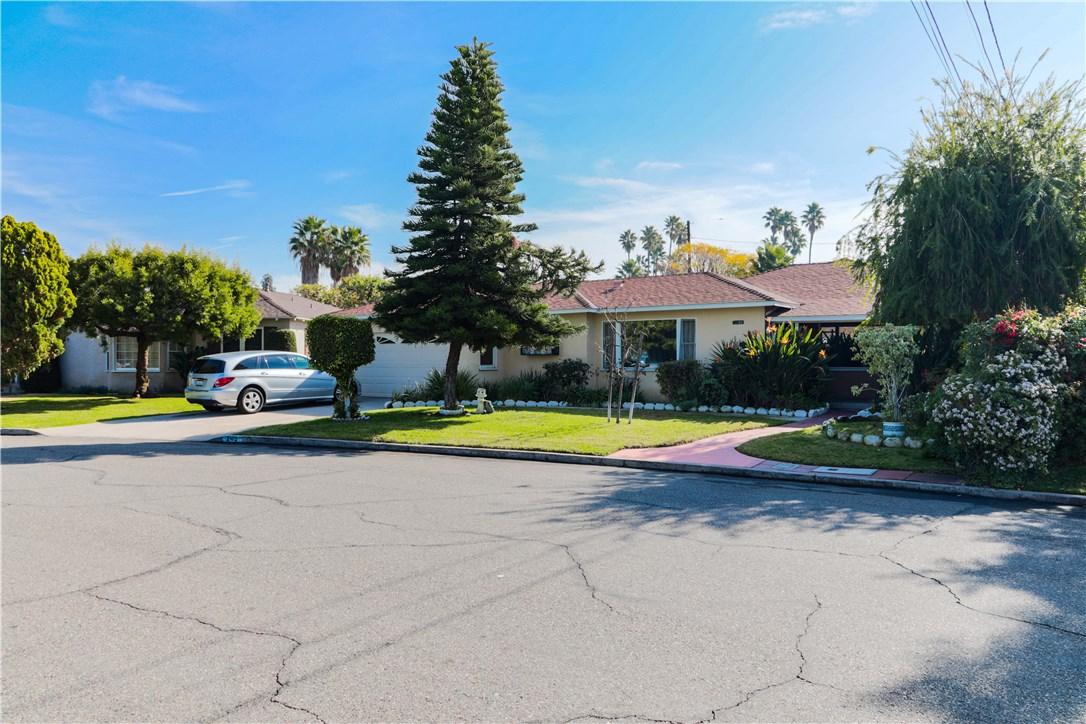 245 N Evelyn Dr, Anaheim, CA 92805 Photo 2