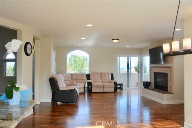 3405 S Patton Avenue, San Pedro CA: http://media.crmls.org/medias/df3ad868-cb12-4038-a327-9cd4b7d2534e.jpg