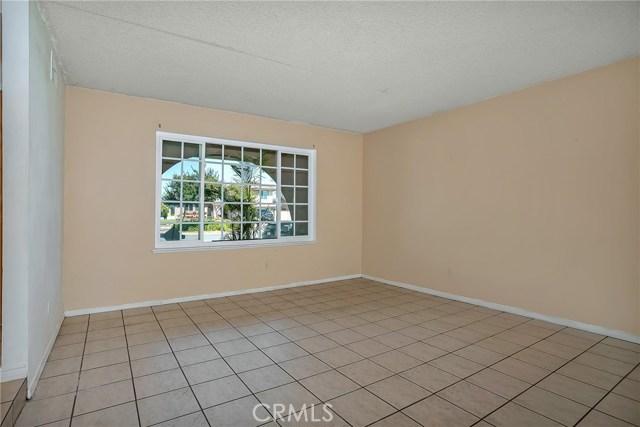 13304 Netzley Place, Chino CA: http://media.crmls.org/medias/df3ae700-e1a0-45e4-b9ba-03e3e16a3d33.jpg