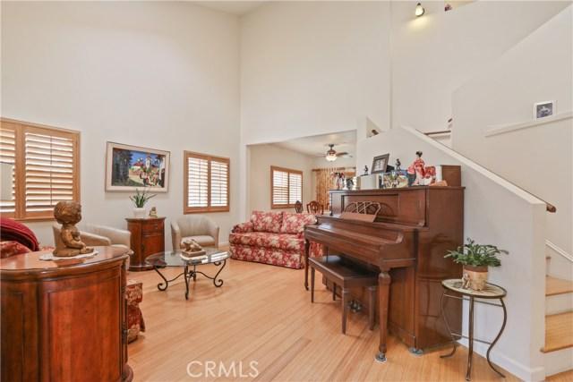 10943 Cord Avenue, Downey CA: http://media.crmls.org/medias/df494827-482e-4045-92af-03d5522faacb.jpg