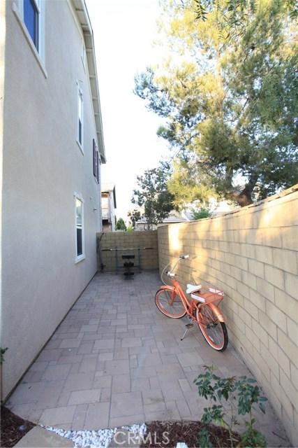 260 Wicker, Irvine CA: http://media.crmls.org/medias/df4ee97b-a1d1-49b1-8be4-3183d63c9b7f.jpg