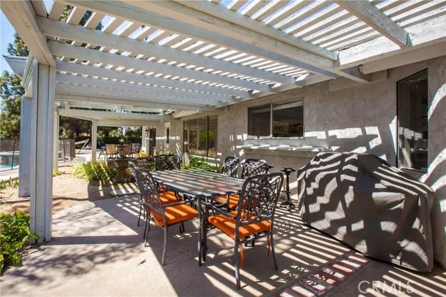 16190 Suttles Drive, Riverside CA: http://media.crmls.org/medias/df53bf49-3729-4323-a563-9018d8708497.jpg