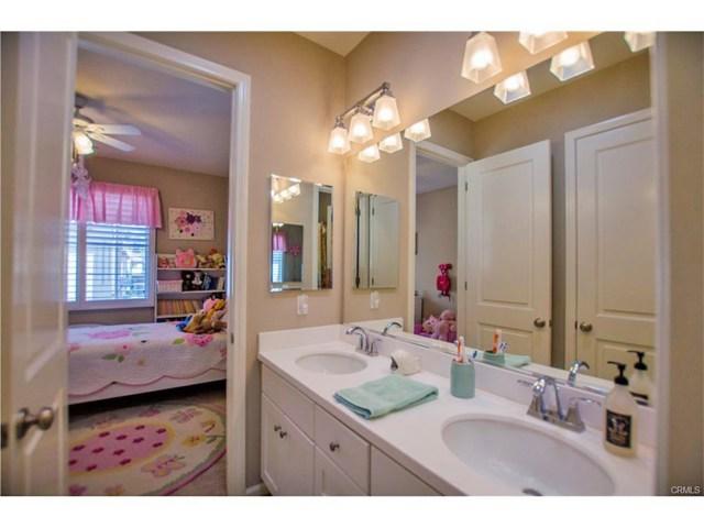 122 Painted Trellis Irvine, CA 92620 - MLS #: OC17161829