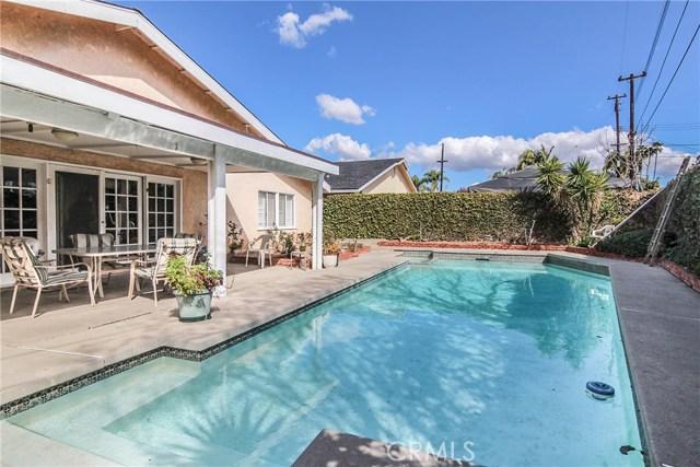 Casa Unifamiliar por un Venta en 8270 Fox Hills Avenue Buena Park, California 90621 Estados Unidos