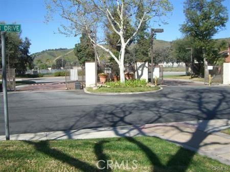 1847 Club Drive, Pomona CA: http://media.crmls.org/medias/df67d589-4765-42d1-a026-2091276b6552.jpg