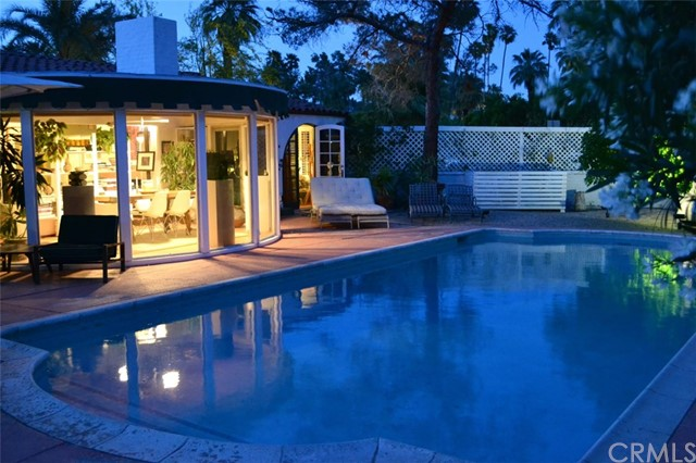 Commercial for Sale at 276 E Granvia Valmonte 276 E Granvia Valmonte Palm Springs, California 92262 United States