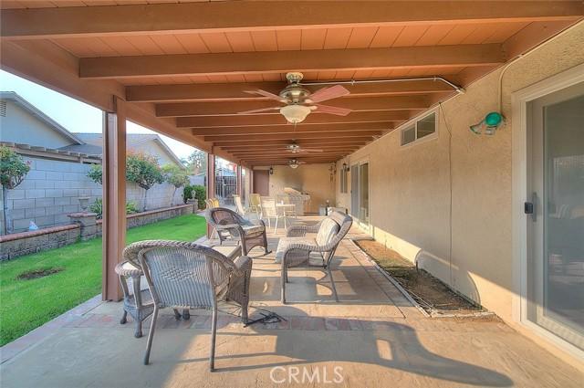 10078 Julian Drive, Riverside CA: http://media.crmls.org/medias/df6ee381-0d1e-4360-8de0-d485ec64b463.jpg