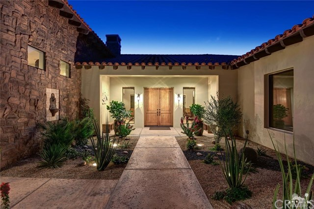 15 Villaggio Place, Rancho Mirage CA: http://media.crmls.org/medias/df74adfb-182d-44e7-8e11-ebe4631226e8.jpg