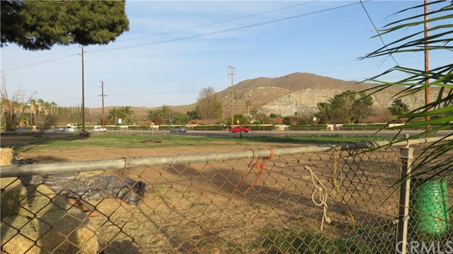 2861 Armstrong Road Jurupa Valley, CA 92509 - MLS #: EV18063059