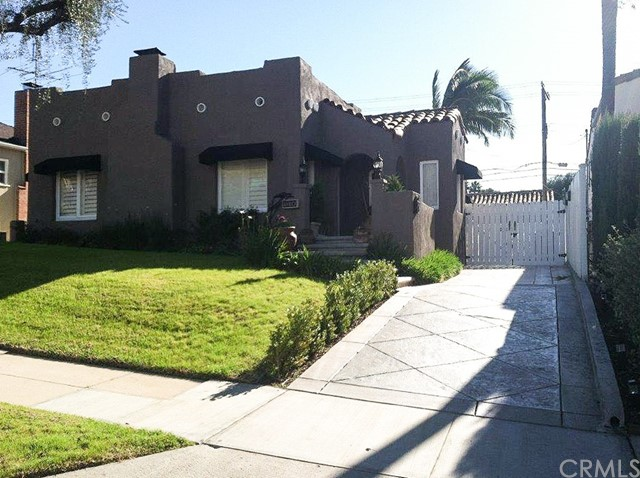 Single Family Home for Sale at 1304 Carmen Drive 1304 Carmen Drive Glendale, California 91207 United States