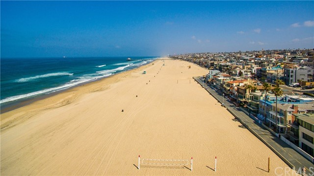 Additional photo for property listing at 3330 The Strand  Hermosa Beach, California,90254 Hoa Kỳ