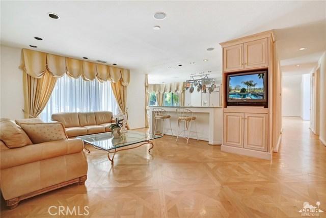 31 Victoria Falls Drive, Rancho Mirage CA: http://media.crmls.org/medias/df844f62-5859-4d86-8e86-d400aa4fe3c5.jpg