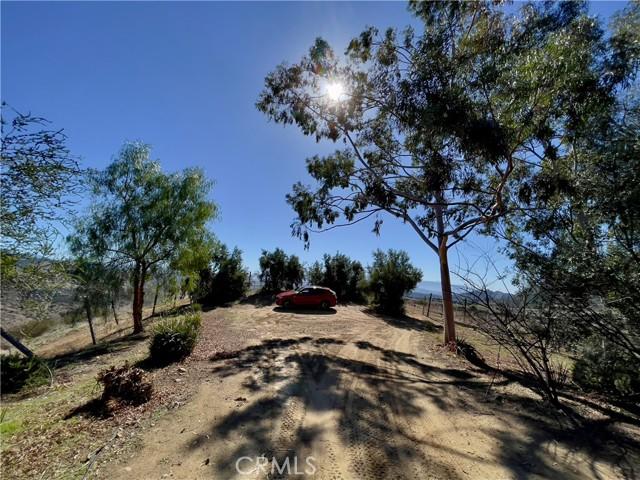 33800 Black Mountain Road, Temecula CA: http://media.crmls.org/medias/df9c267e-f11d-4e85-b2ab-3af8b1587d3b.jpg