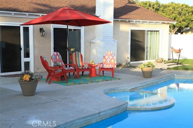 23591 Valarta Lane, Mission Viejo CA: http://media.crmls.org/medias/df9f2ef1-3ab0-4111-97ce-ea0673dce4f5.jpg