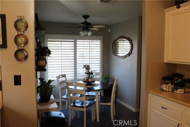 359 Flordason Drive, Calimesa CA: http://media.crmls.org/medias/dfb7d789-dbe4-403e-8bb6-bd479552f1c4.jpg