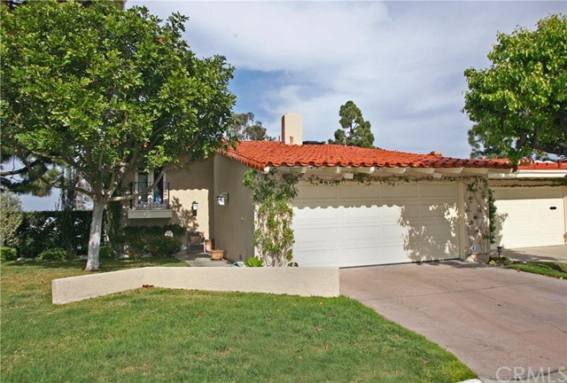 Photo of 436 Vista Parada, Newport Beach, CA 92660