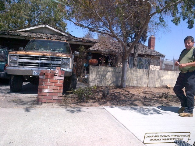 7401 Katella Avenue, Stanton CA: http://media.crmls.org/medias/dfe1ee75-a973-4e31-9ce0-55b2f697287c.jpg