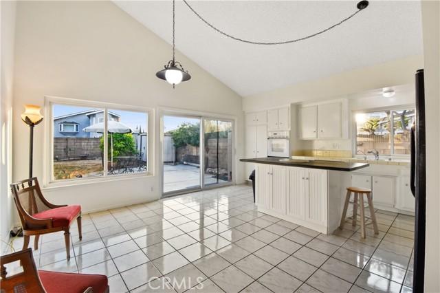 3492 Eboe Street, Irvine CA: http://media.crmls.org/medias/dfea4a90-d91d-4a11-b1e9-5e7c5e9a79b7.jpg