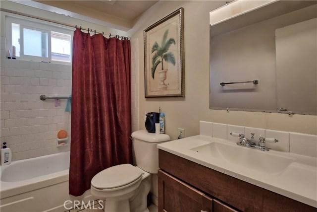 2077 Wallace Avenue, Costa Mesa CA: http://media.crmls.org/medias/e0029271-5b06-421f-9558-65e43f1076b2.jpg