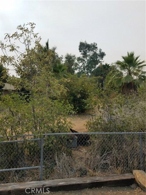 12720 17th Street, Redlands CA: http://media.crmls.org/medias/e0165b32-6541-41a9-ba92-0ebff84674c4.jpg